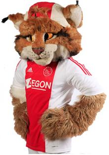 Lucky de mascotte van Ajax...