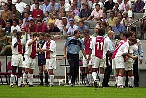 Drinkpauze tijdens Ajax-FC Utrecht